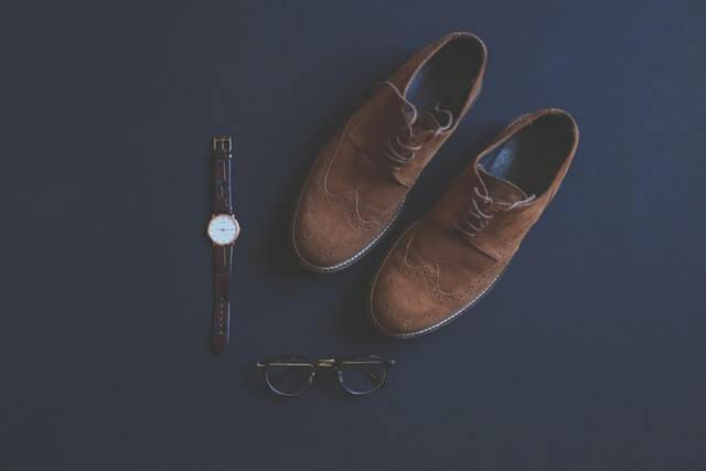 靴と眼鏡と腕時計